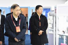 省政协委员调研中国牙谷、四川口腔医院发展情况