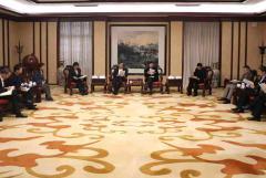 川投集团与四川大学举行会谈